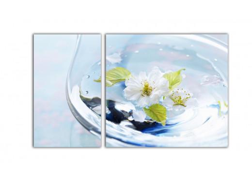 Цветочек в стакане